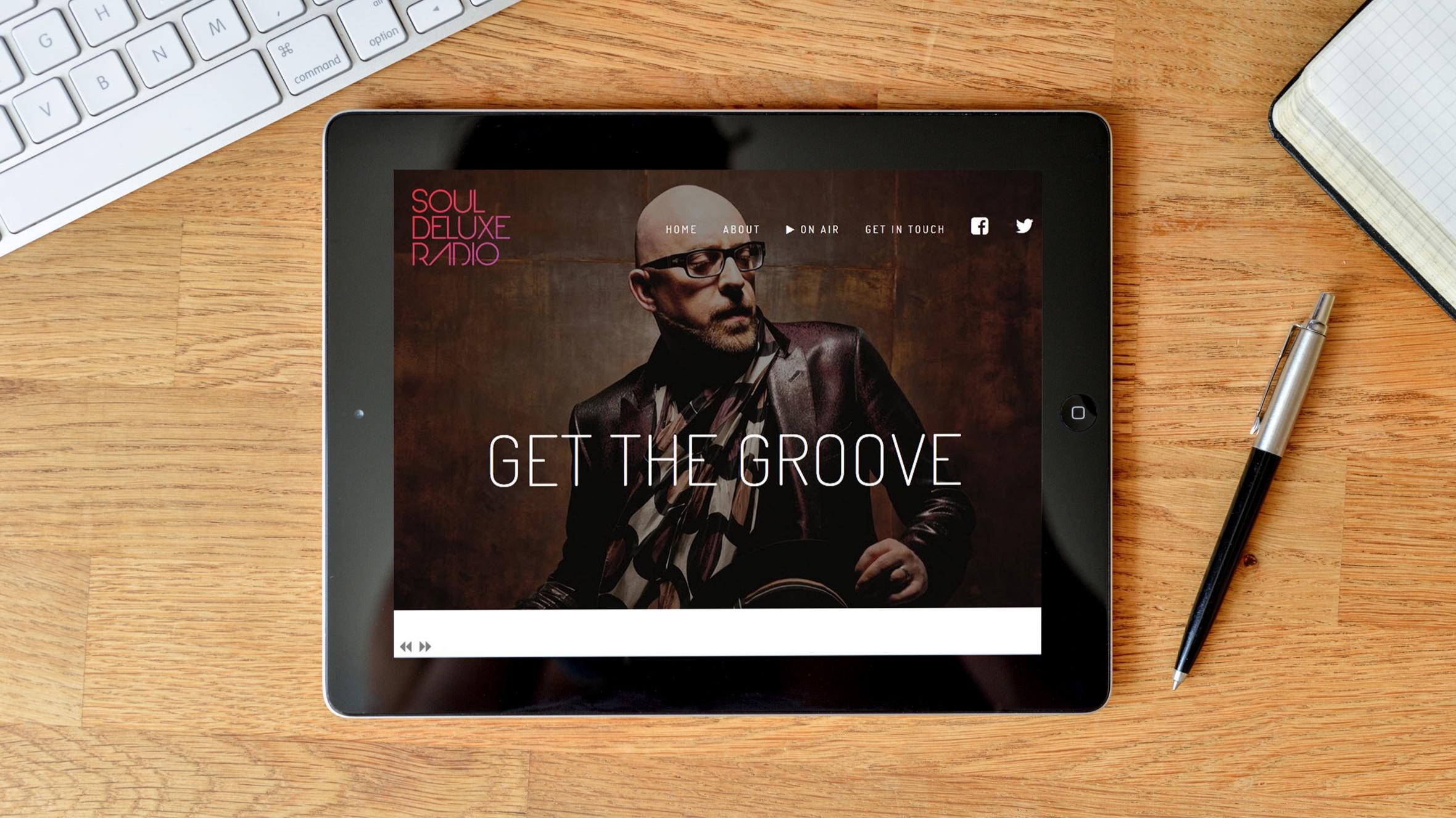 tablet-602968_Snapseed.jpg