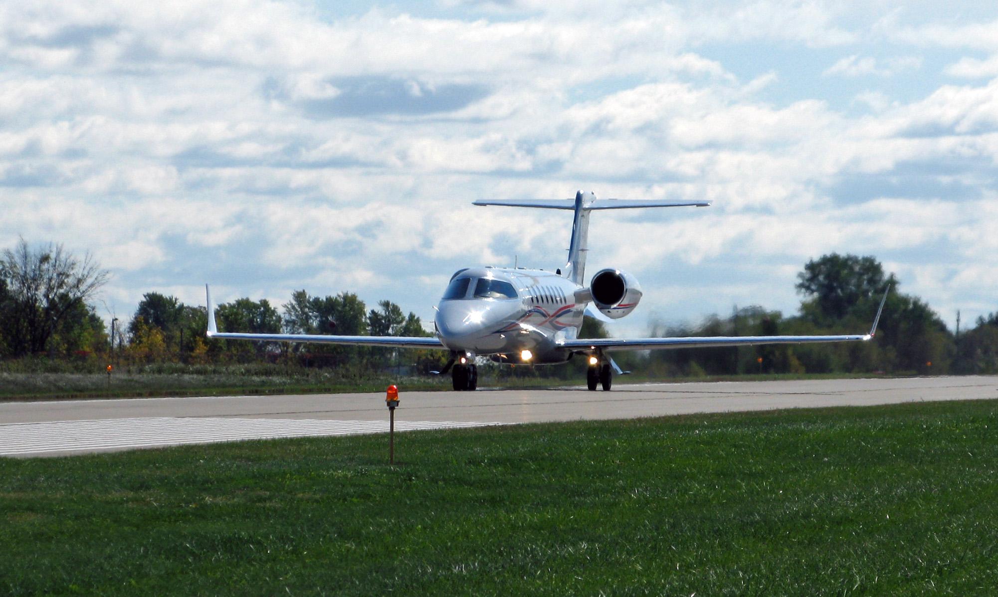 Learjet 45 2011-09-30.jpg