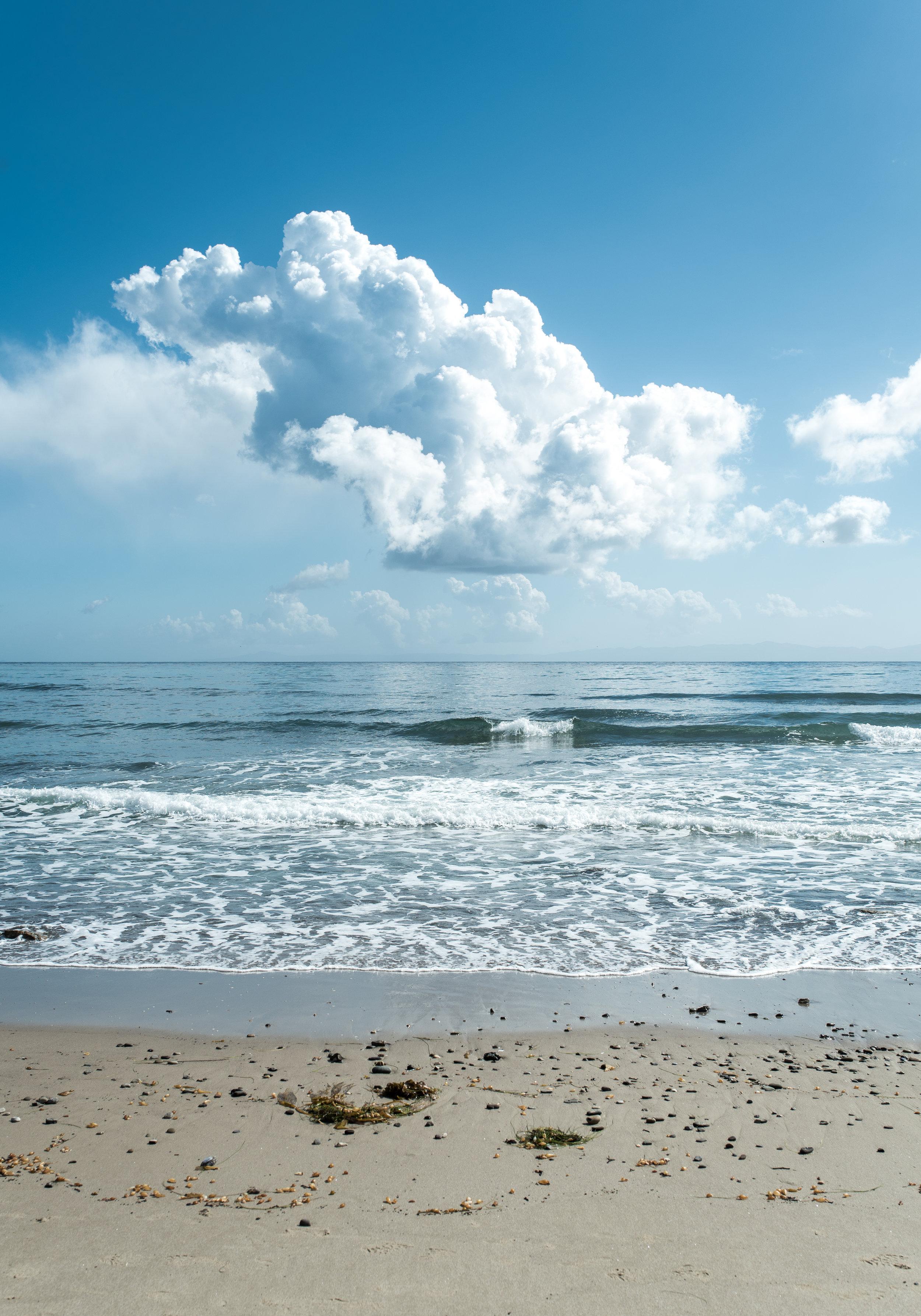 SantaBarbara_Beach_Cloud_renrob©.jpg