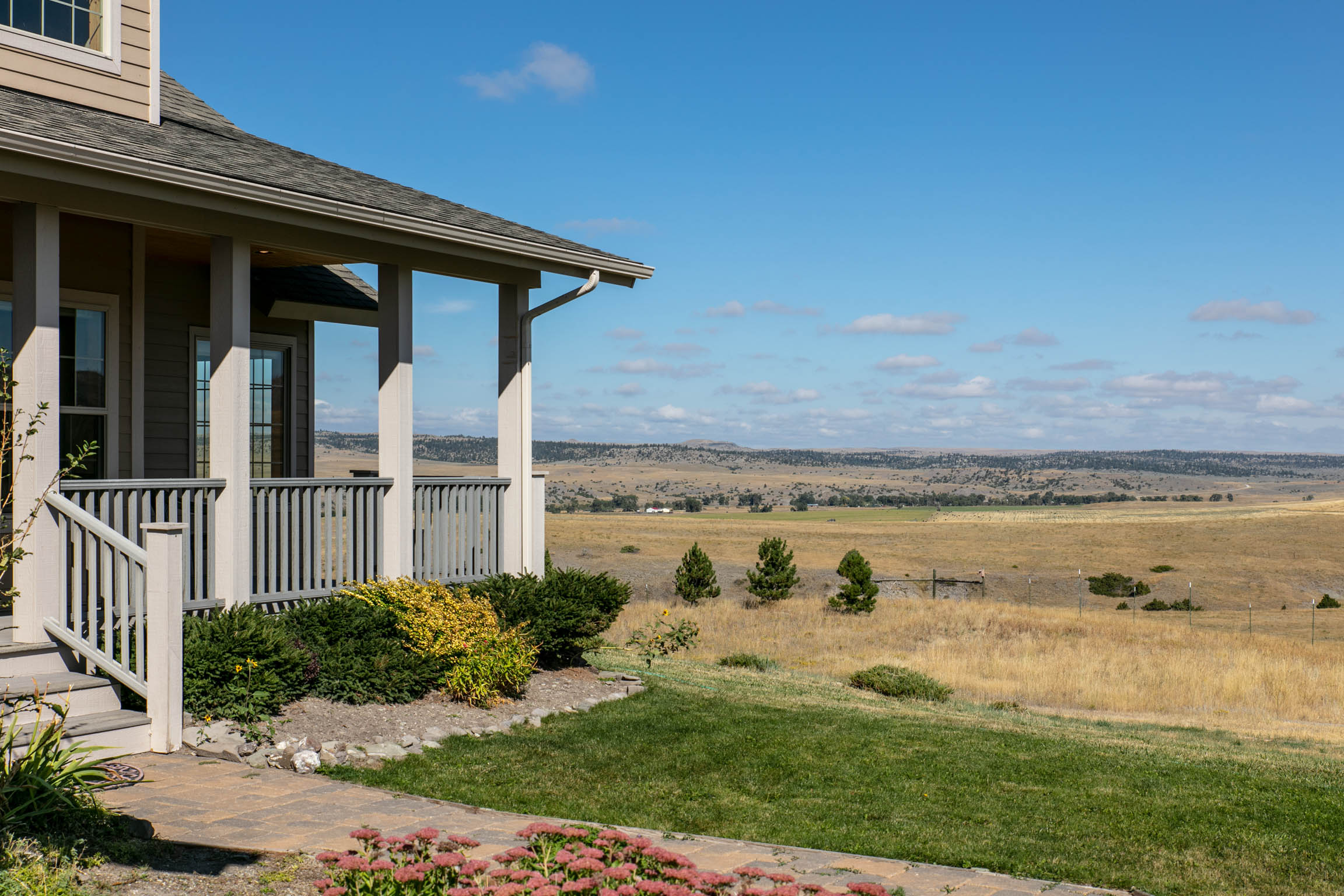 LOWER SWEET GRASS RANCH Listing Agents: Jackie Wickens & Trent Lister