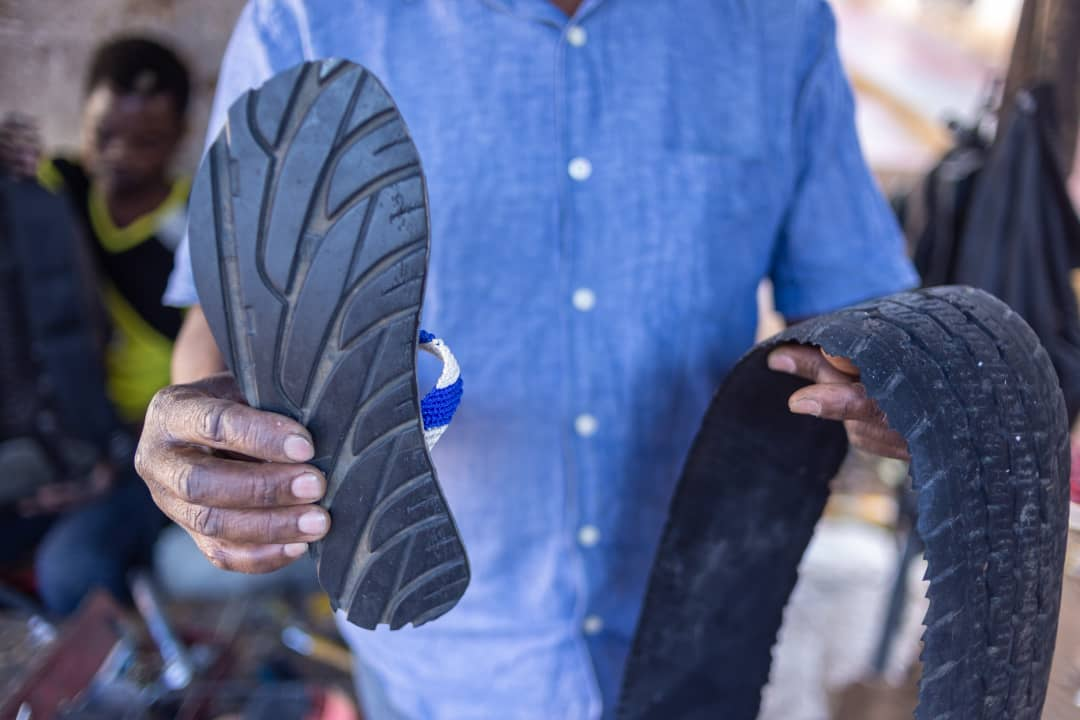 Handcrafted - Each pair of Treads is handcrafted by local Malawian artisans to perfectly fit your feet. The result is a comfortable, minimalist pair of sandals that can take you from the streets of New York City to the beaches of Lake Malawi.