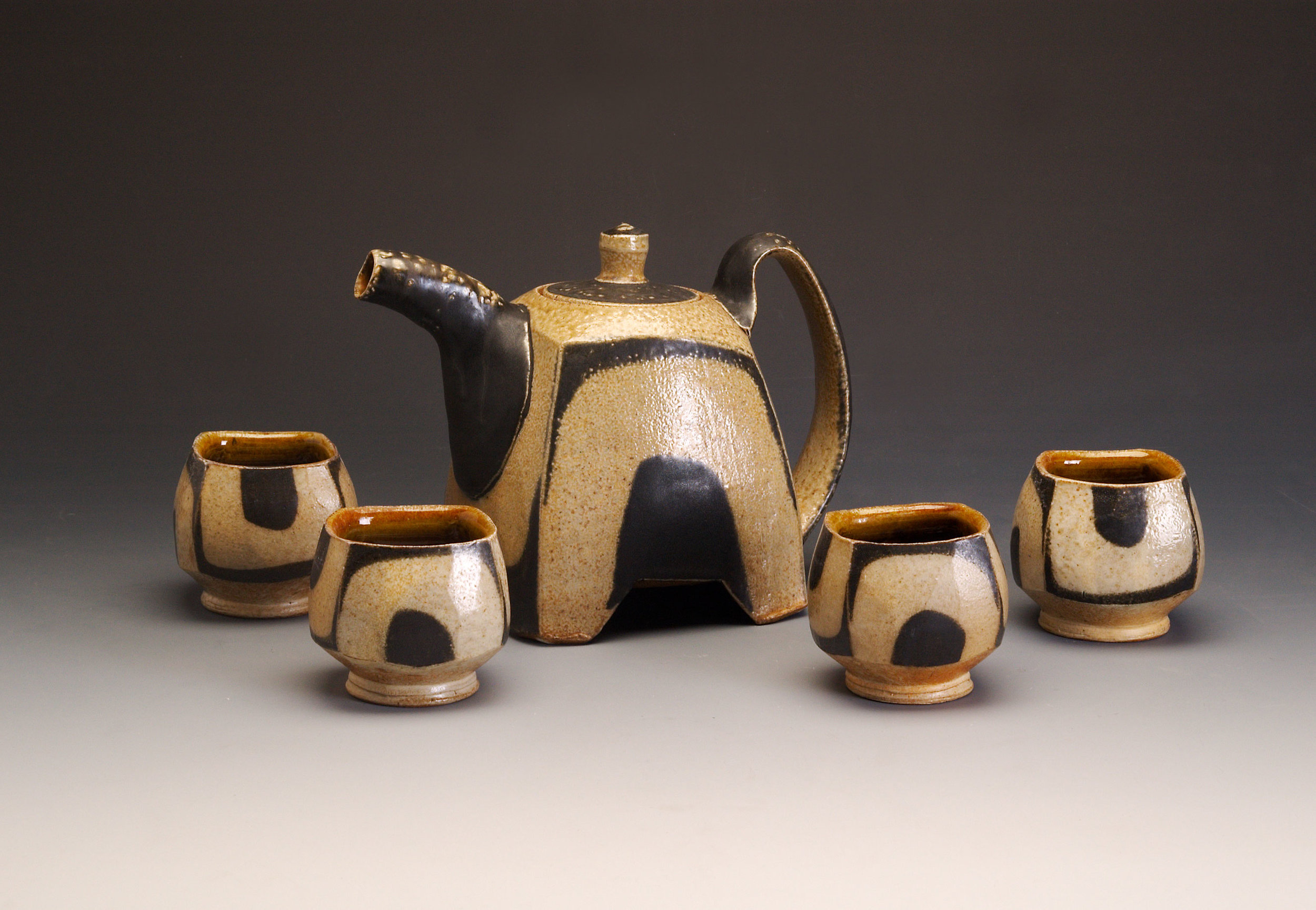 Square Teapot with Feet and U's