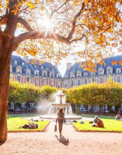 Place des Vosges, Paris. Crédit photo : Loïc Lagarde