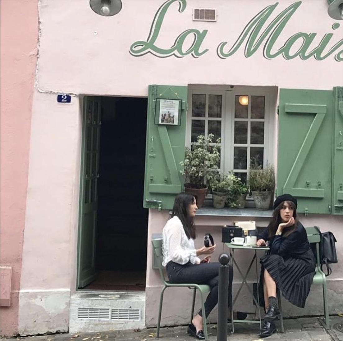 Café La Maison Rose à Montmatre. Crédit photo :   mailyssaverino