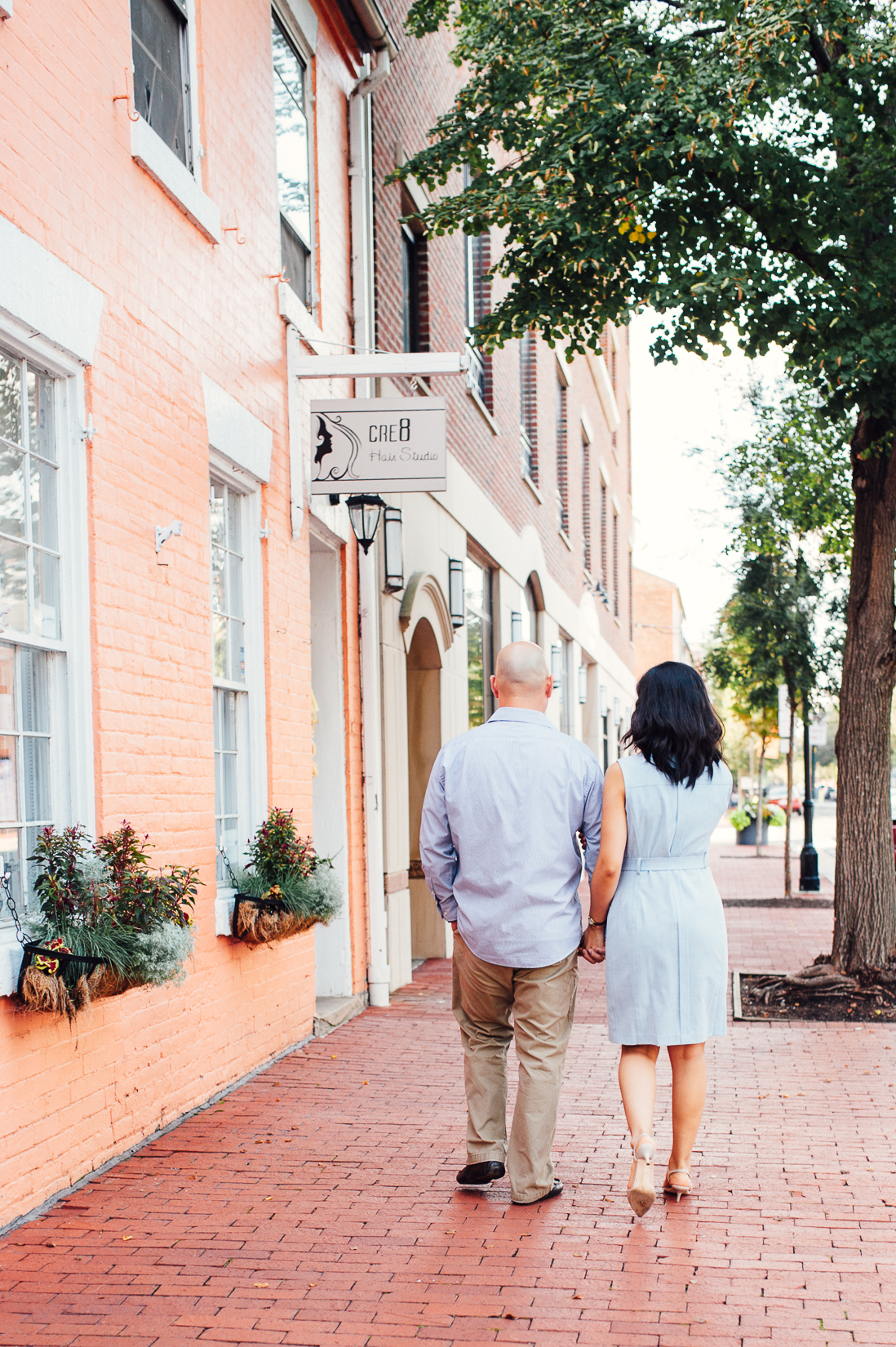 engagement_downtown_fredericksburg_virginiaweddingphotographer_youseephotography_HelenPaul (1).jpg