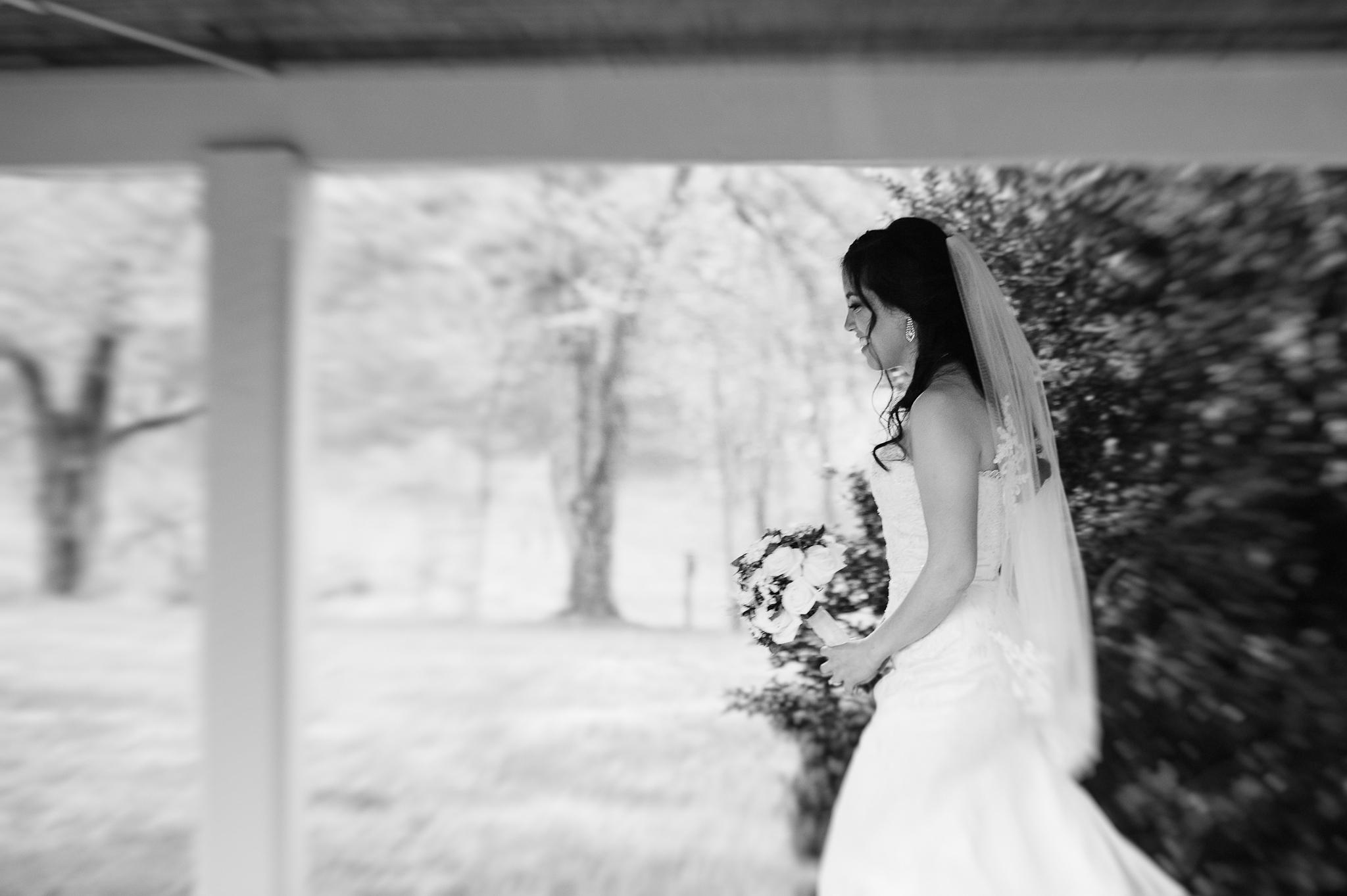 virginiawedding_rainwedding_CabellsMill_youseephotography_LizBen(8).jpg