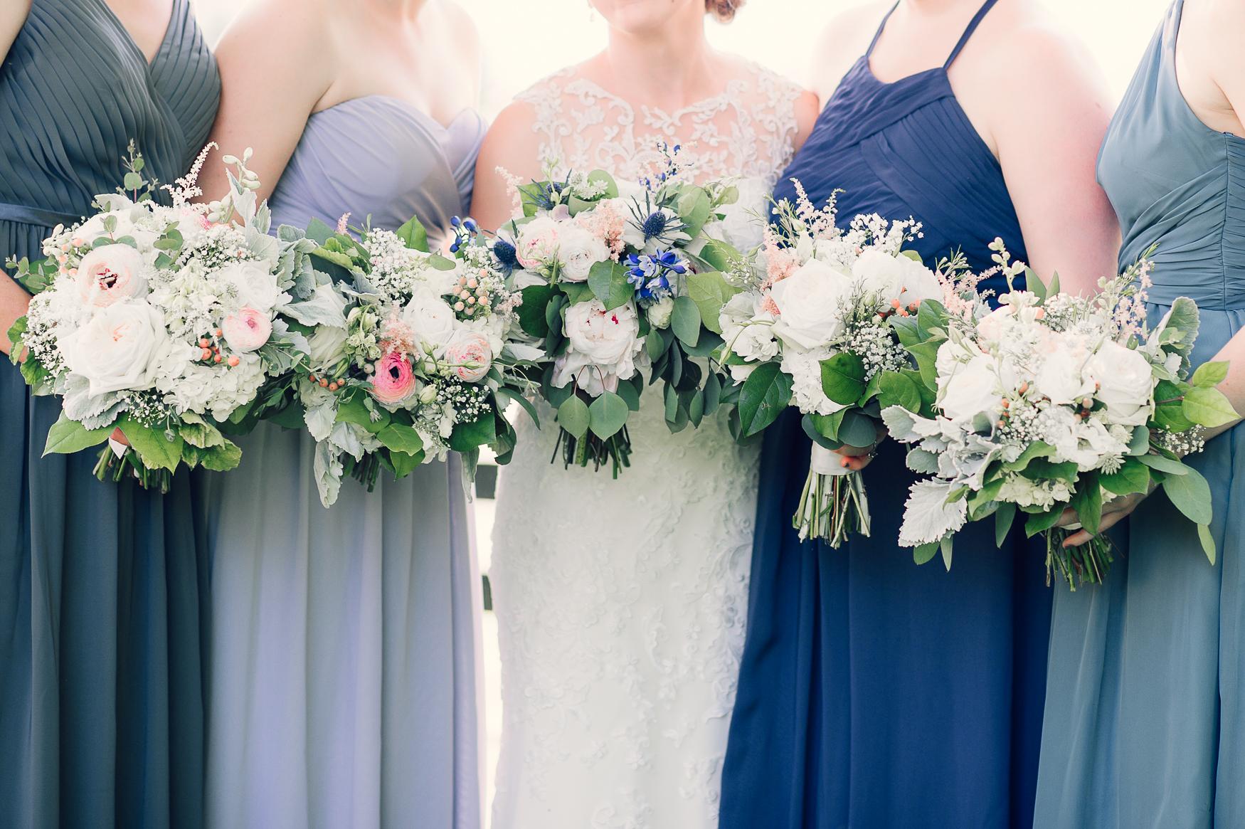 charlottesvillewedding_backyardwedding_virginia_youseephotography_CaitlinDerek (24).jpg