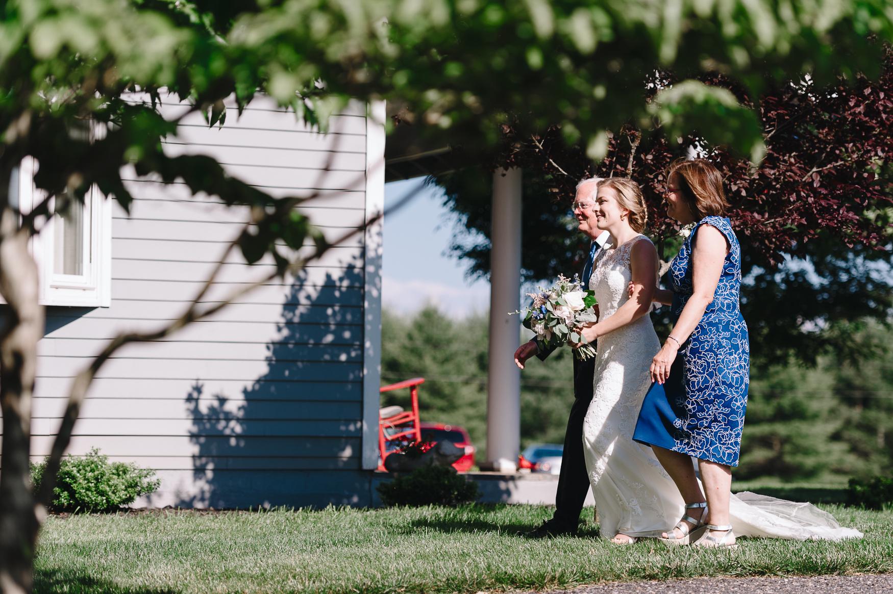 charlottesvillewedding_backyardwedding_virginia_youseephotography_CaitlinDerek (47).jpg