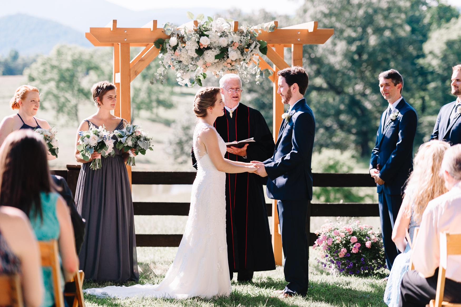 charlottesvillewedding_backyardwedding_virginia_youseephotography_CaitlinDerek (50).jpg