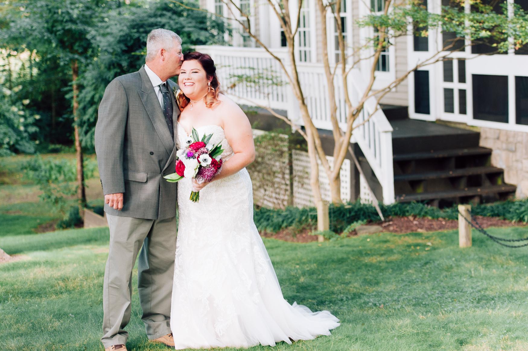 virginiawedding_GlenGarden_rusticwedding_fredericksburg_youseephotography_KellySteven (20).jpg