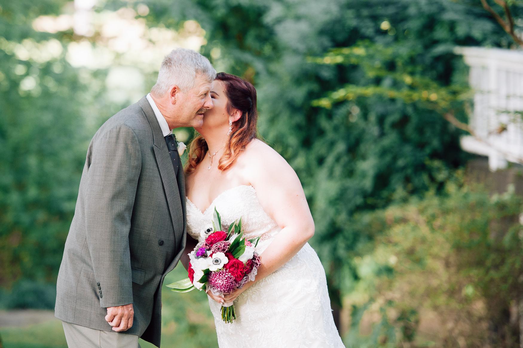 virginiawedding_GlenGarden_rusticwedding_fredericksburg_youseephotography_KellySteven (22).jpg