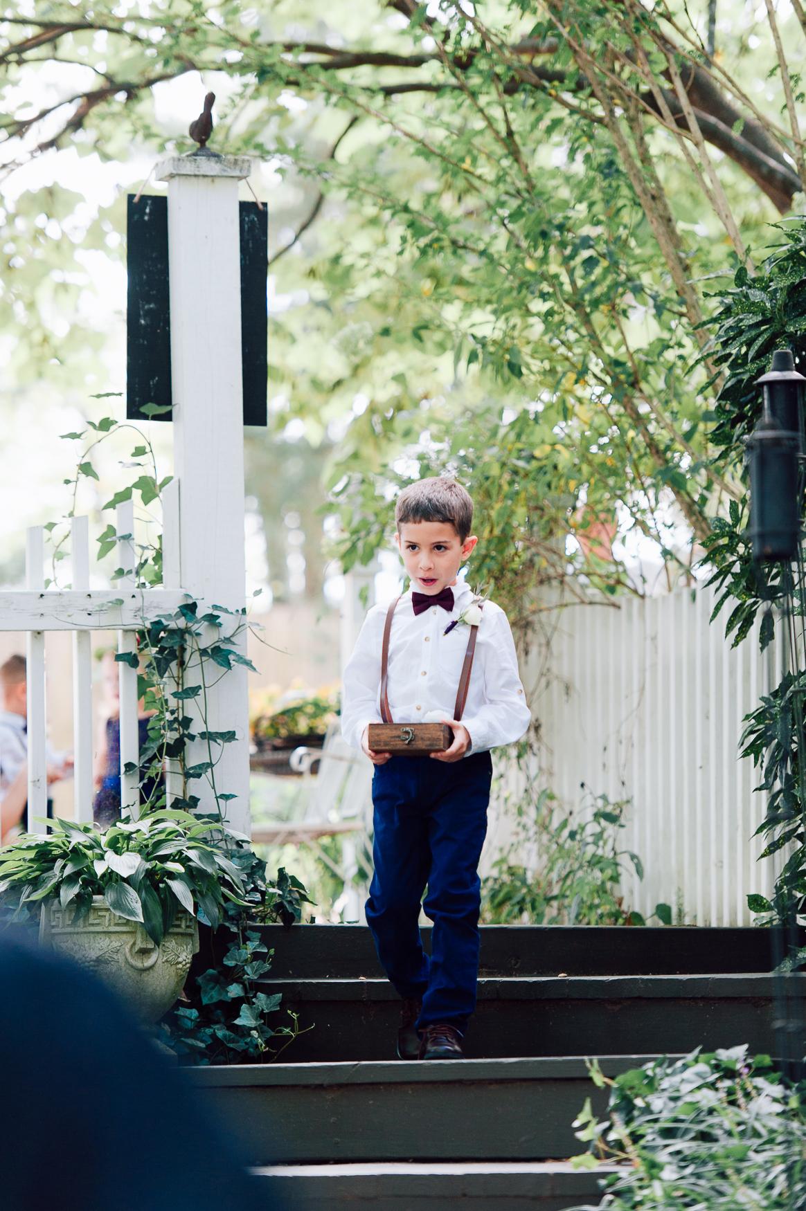 virginiawedding_GlenGarden_rusticwedding_fredericksburg_youseephotography_KellySteven (25).jpg