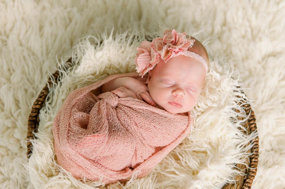 newborn_fredericksburgphotographer_youseephotography_babyReagan (15).JPG