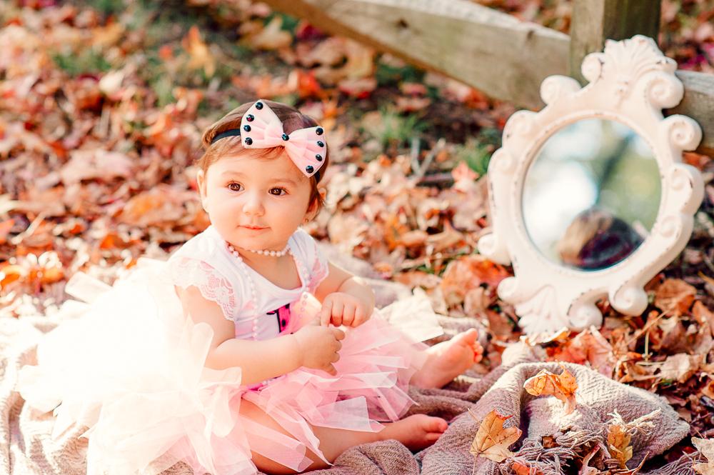 CakeSmash_Fall_FredericksburgPhotographer_youseephotography_babyTalya (23).JPG