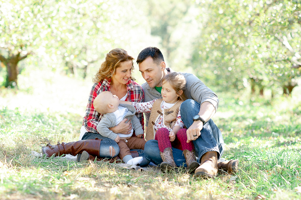 FamilyPhotos_FredericksburgPhotographer_youseephotography_JoyFamily (2).jpg