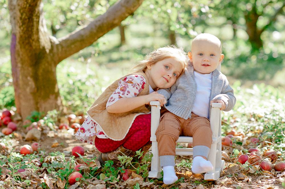 FamilyPhotos_FredericksburgPhotographer_youseephotography_JoyFamily (11).jpg
