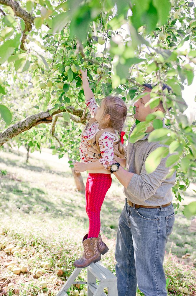FamilyPhotos_FredericksburgPhotographer_youseephotography_JoyFamily (18).jpg