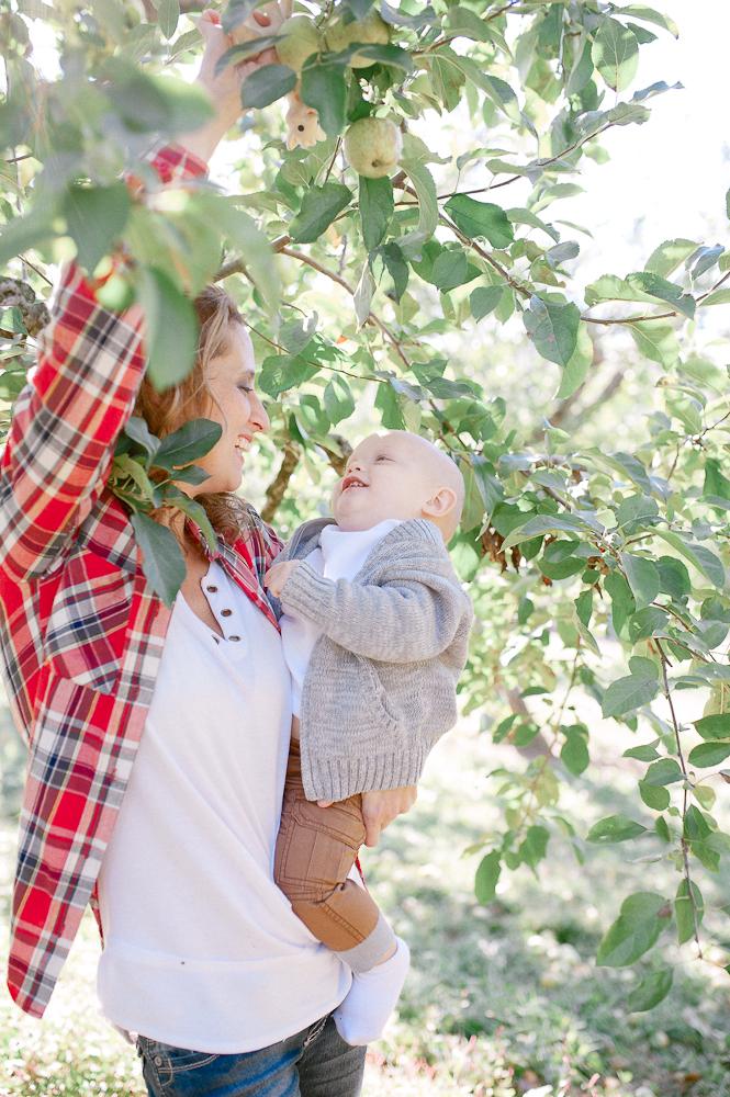 FamilyPhotos_FredericksburgPhotographer_youseephotography_JoyFamily (22).jpg