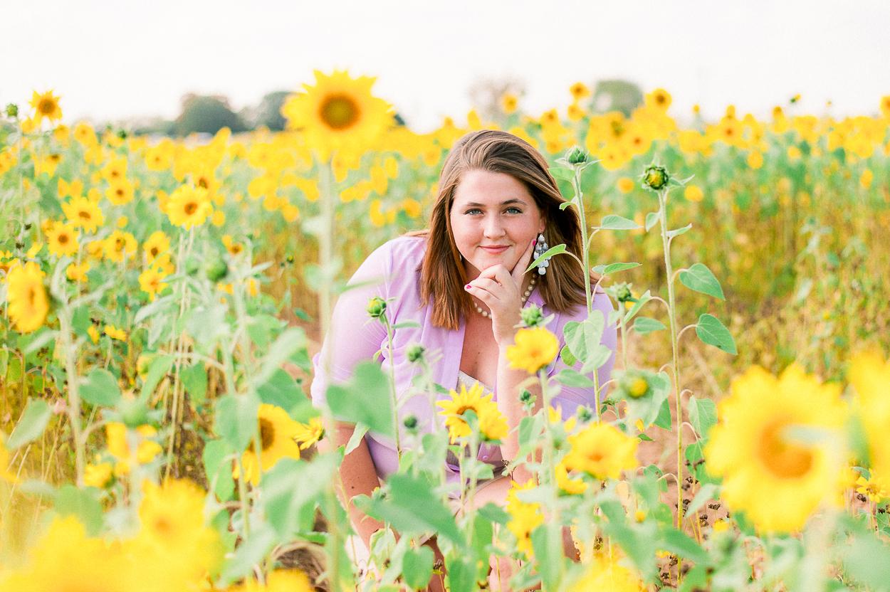 seniorphotos_fall_sunflowers_fredericksburgphotographer_virginia_youseephotography_Jill (2).JPG