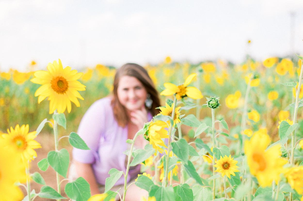 seniorphotos_fall_sunflowers_fredericksburgphotographer_virginia_youseephotography_Jill (3).JPG
