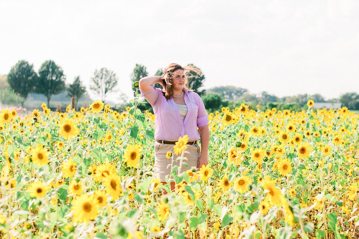 seniorphotos_fall_sunflowers_fredericksburgphotographer_virginia_youseephotography_Jill (4).JPG