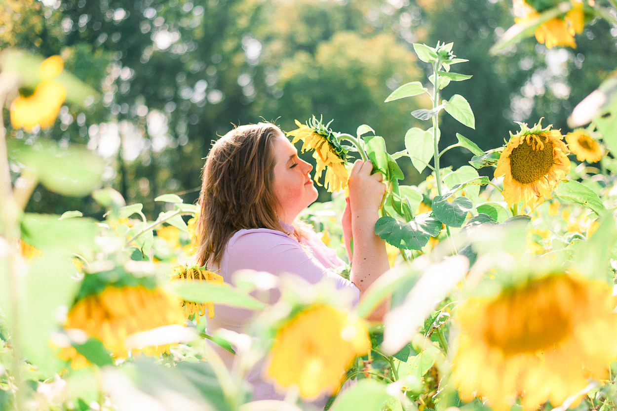 seniorphotos_fall_sunflowers_fredericksburgphotographer_virginia_youseephotography_Jill (1).JPG