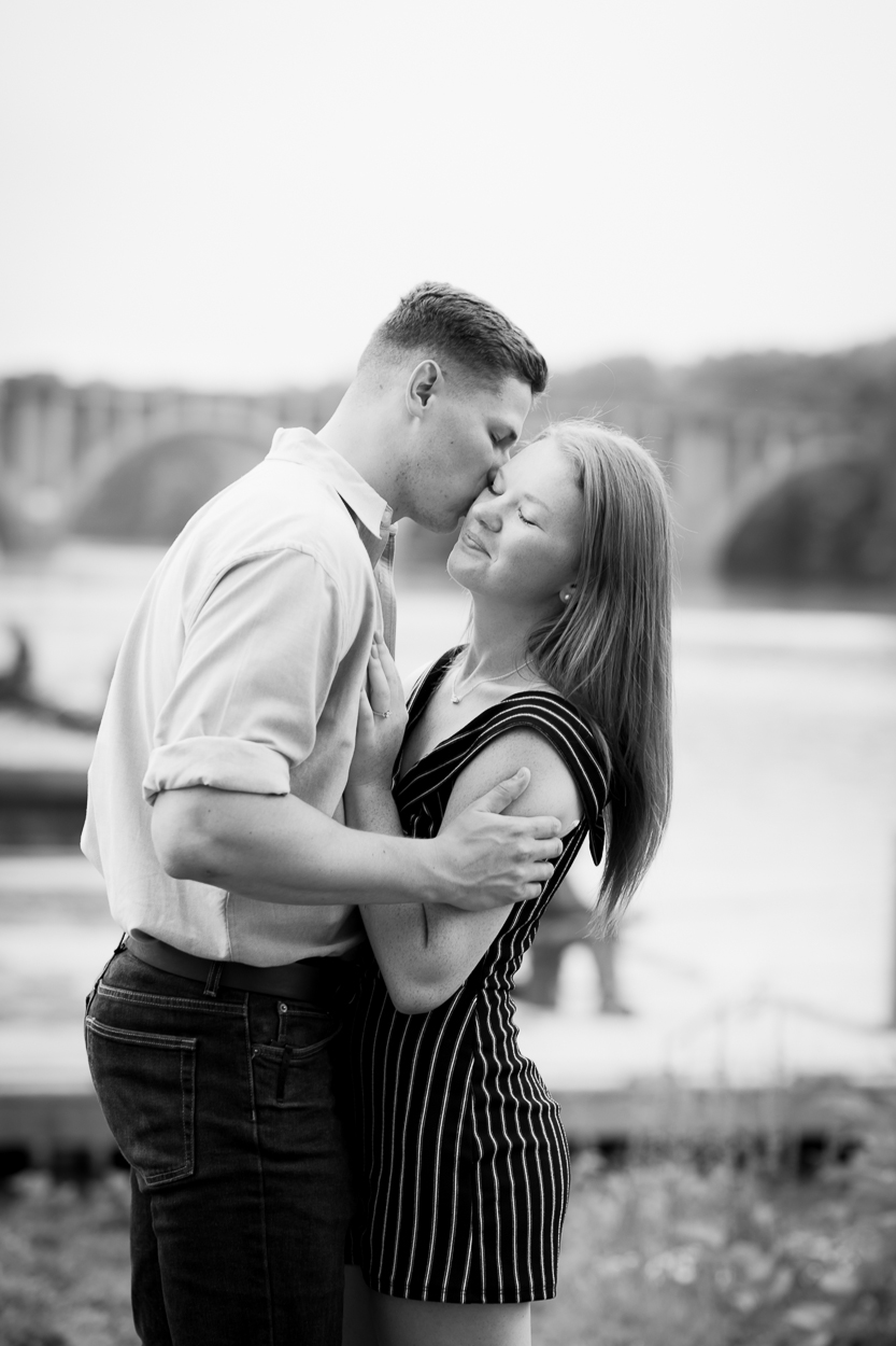 downtown_fredericksburg_engagement_virginiaweddingphotographer_youseephotography_MeghanJohn (31).JPG