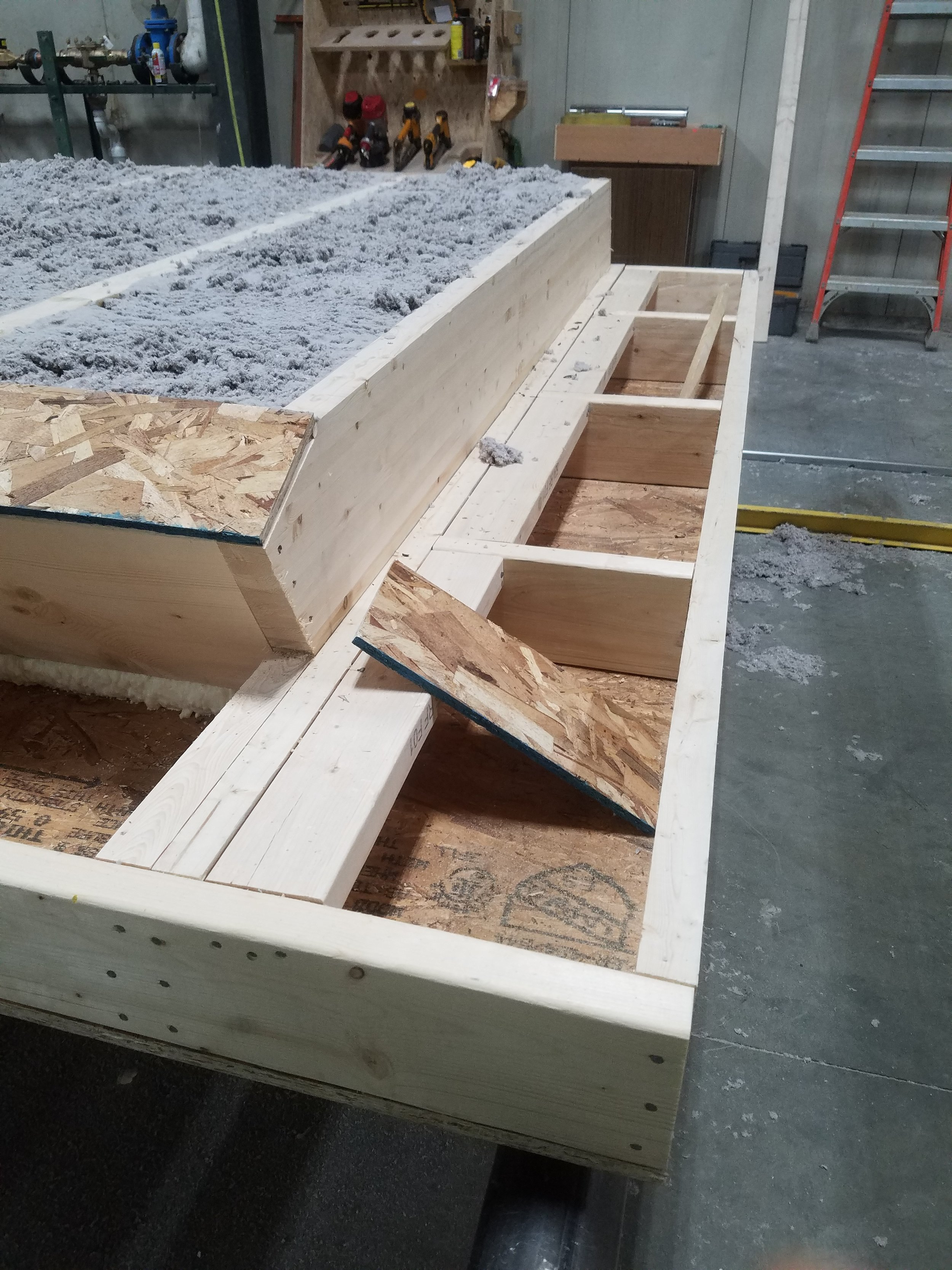 Roof panel with cellulose
