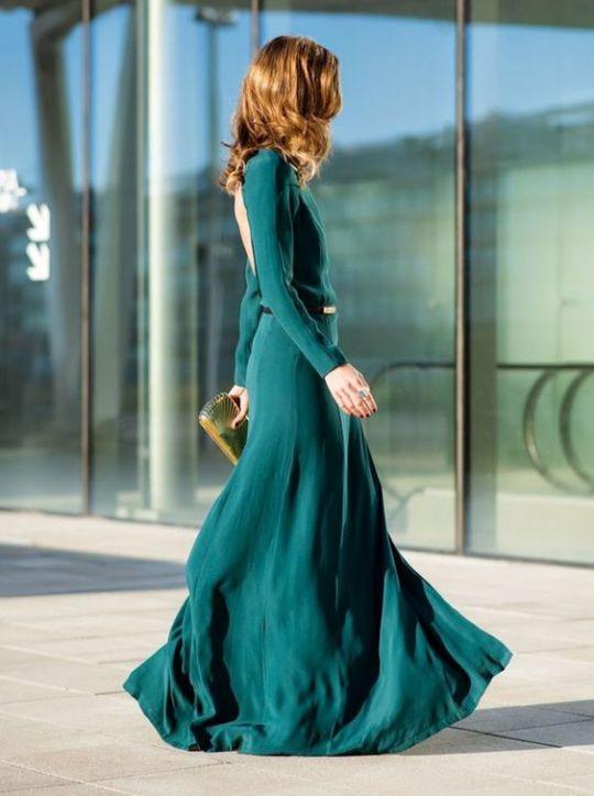 - Introduce complementos sencillos- Los vestidos deberán tener mucha caída y ser livianos.- Losolores frescos, vivos… serán ideales. -