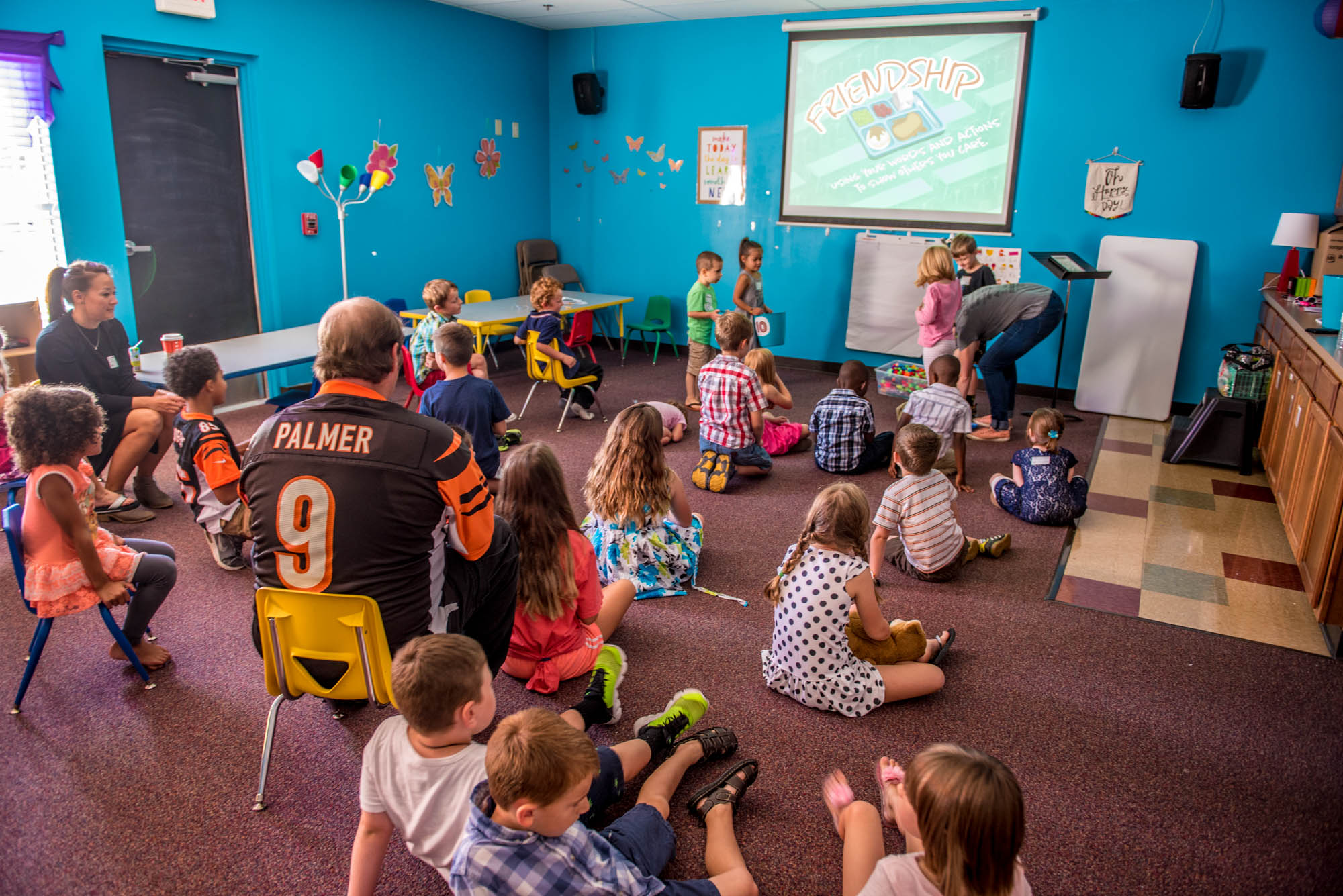Elementary (grades K-5) - K-5 classrooms value high energy, fun, and engaging teaching and worship, as well as intentional small groups. The environment promotes building strong relationships with one other and leaders while learning about God.