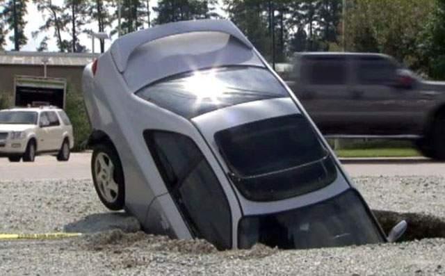Potholes on 141.jpeg