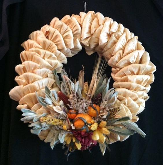 corn husk wreath.jpg