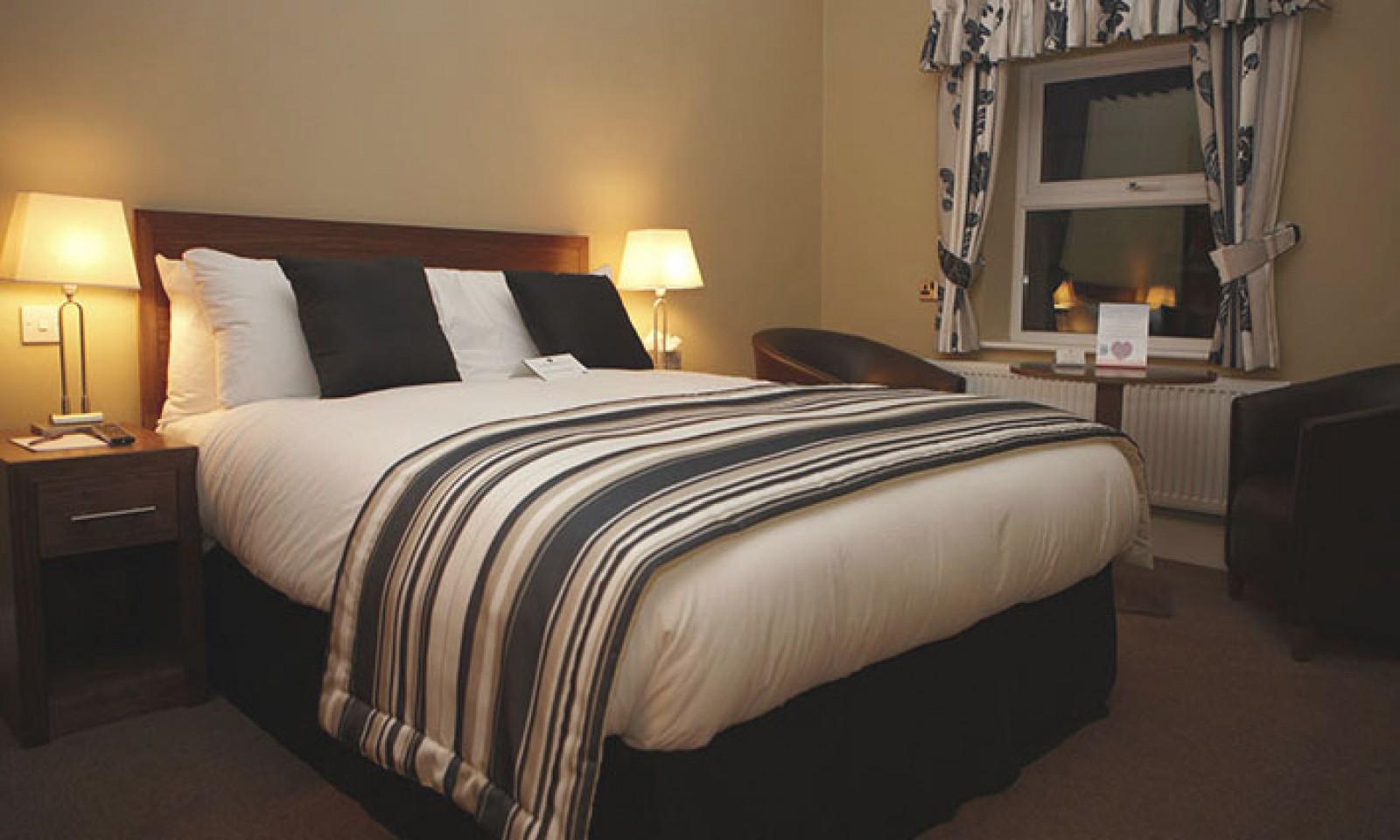 Budget-Double-Bedroom-1600x960.jpg