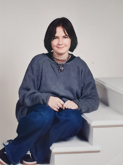 Spring 1998:  Same photography steps, SAME DRACULA SHIRT. More appropriate jewelry this time; chokers, poison bottles, and pentagrams on chains. Definitely hiding under my clothes. Oversized sweater, oversized pants. Airwalk shoes.