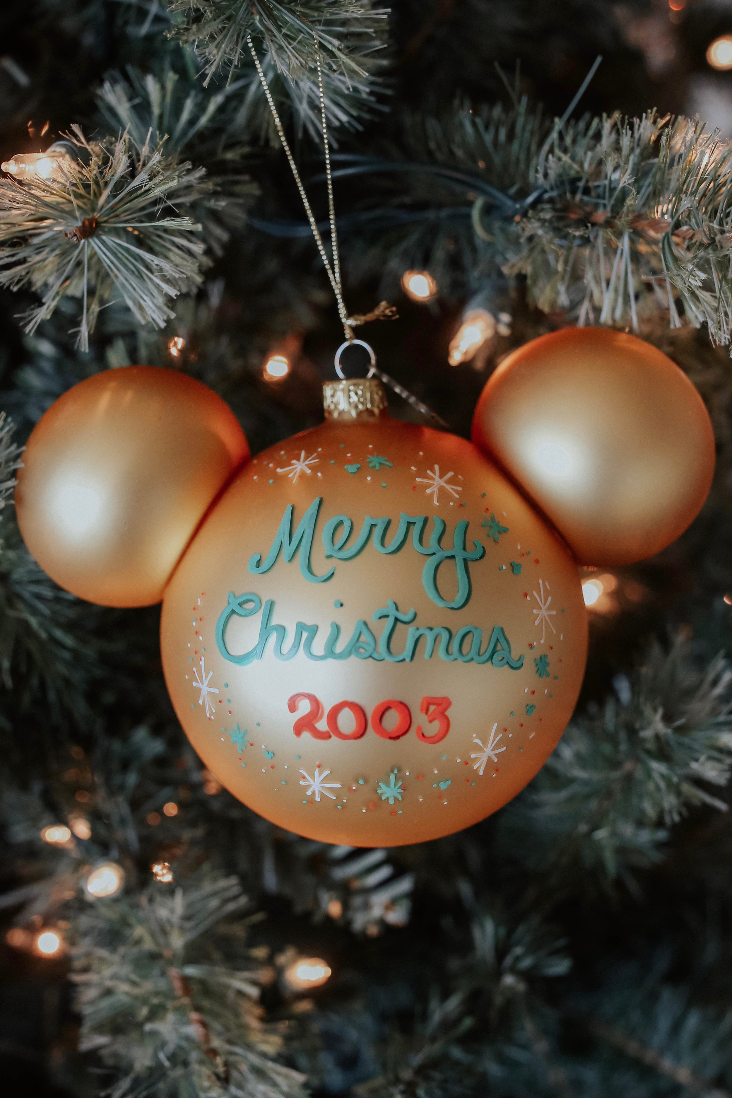 7. hand crafted ornaments - i know, i know. ornaments are usually too cliche and overdone, and everyone already has tons that could fill their tree three times over. but i love giving a handmade ornament, especially now that a lot of my friends are living in their own places with their own trees to decorate. buying handmade also supports artisans, so win-win.PS: if you travel a lot, this is one of the best souvenir- type things to buy. my family went to Disney World every year the week after Thanksgiving and the ornaments we got there are still some of my favorites. if you aren't sure where to look, check out the local farmer's market, they will have the best selection :)don't wanna leave the house?