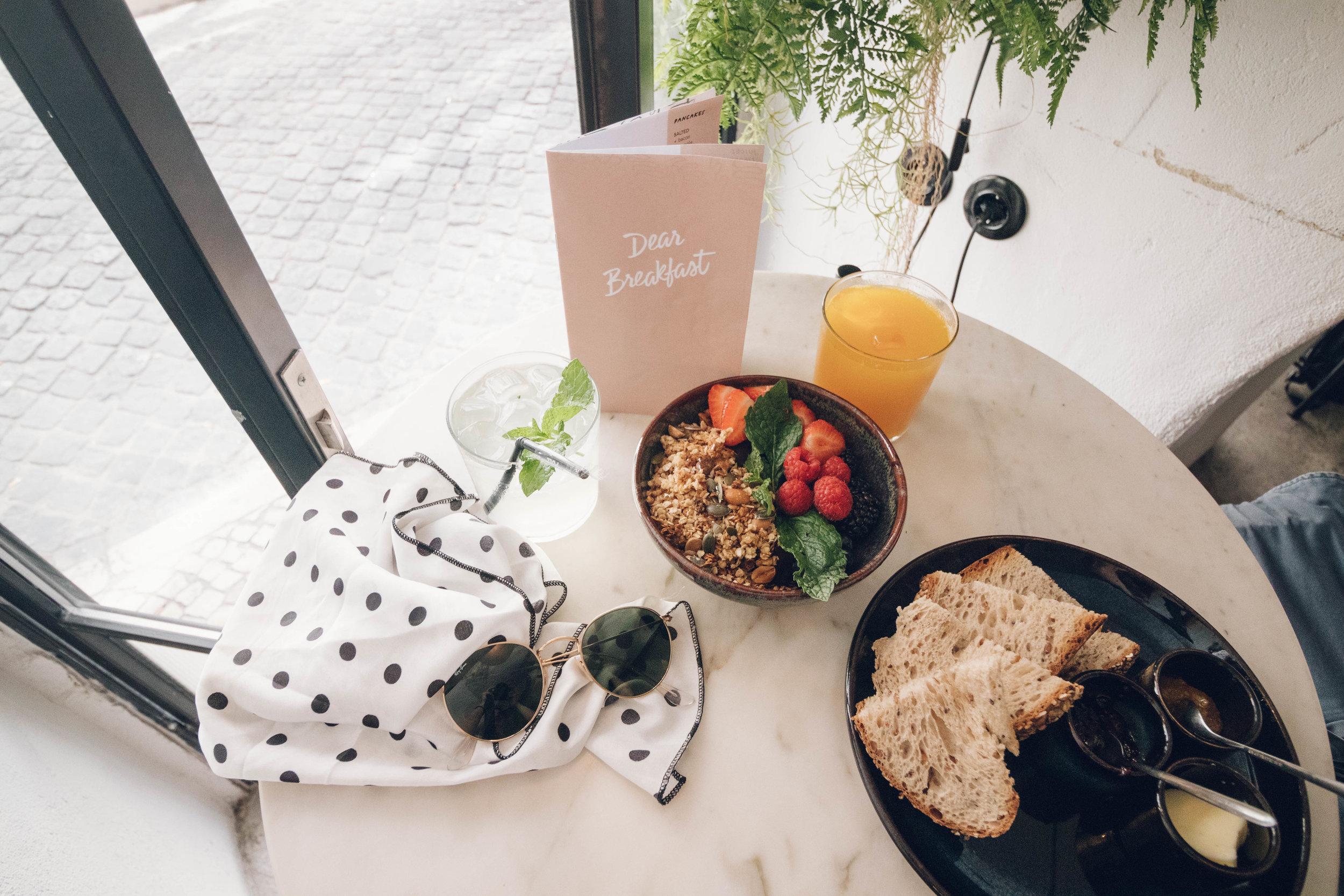 Dear Breakfast's Acai Bowl