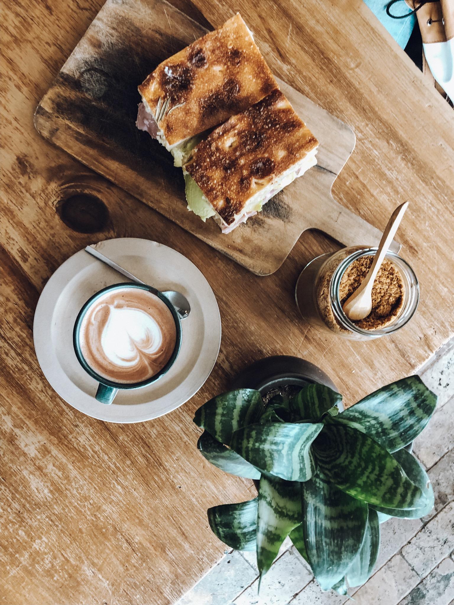 Coffee at El Pan de la Chola