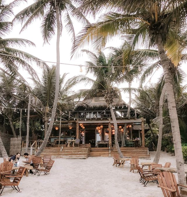 Moving this week!!! But wishing we'd be permanent residents here at the @ahautulum... maybe one day. Gotta strive for something! ☺️🌴