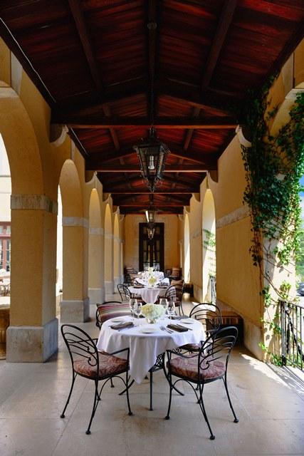 Al Fresco Dining Oheka Castle Bar and Restaurant - Juan Osorio_web.jpg