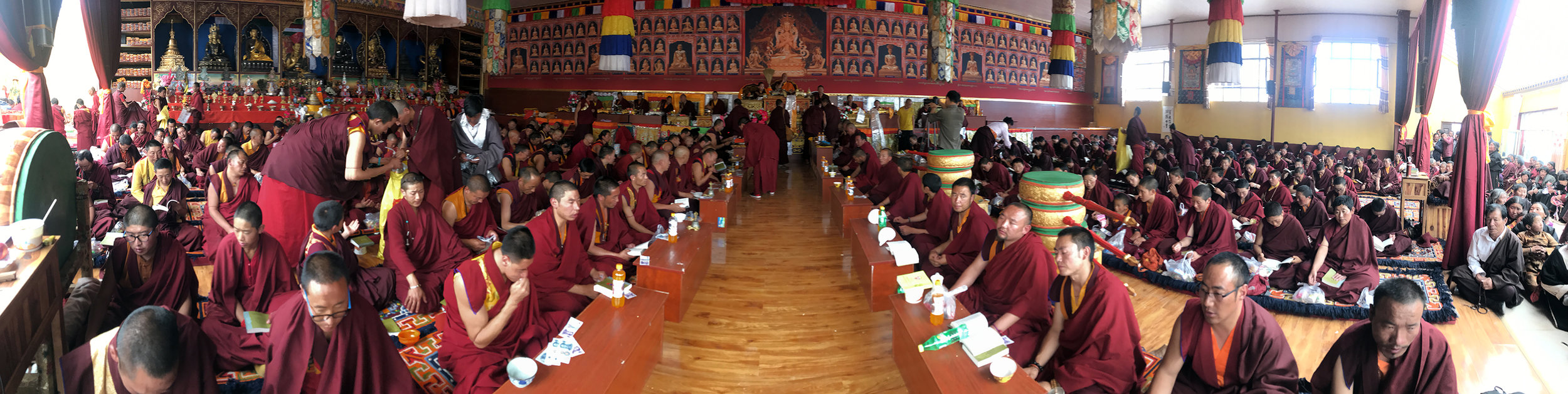 Choegon Rinpoche bestowing teachings and empowerments to thousands of Drukpa Kargyu sanghas and lay practitioners at various monasteries in Nangchen.