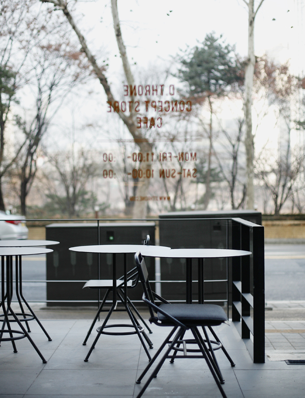 dthrone cafe 08.jpg