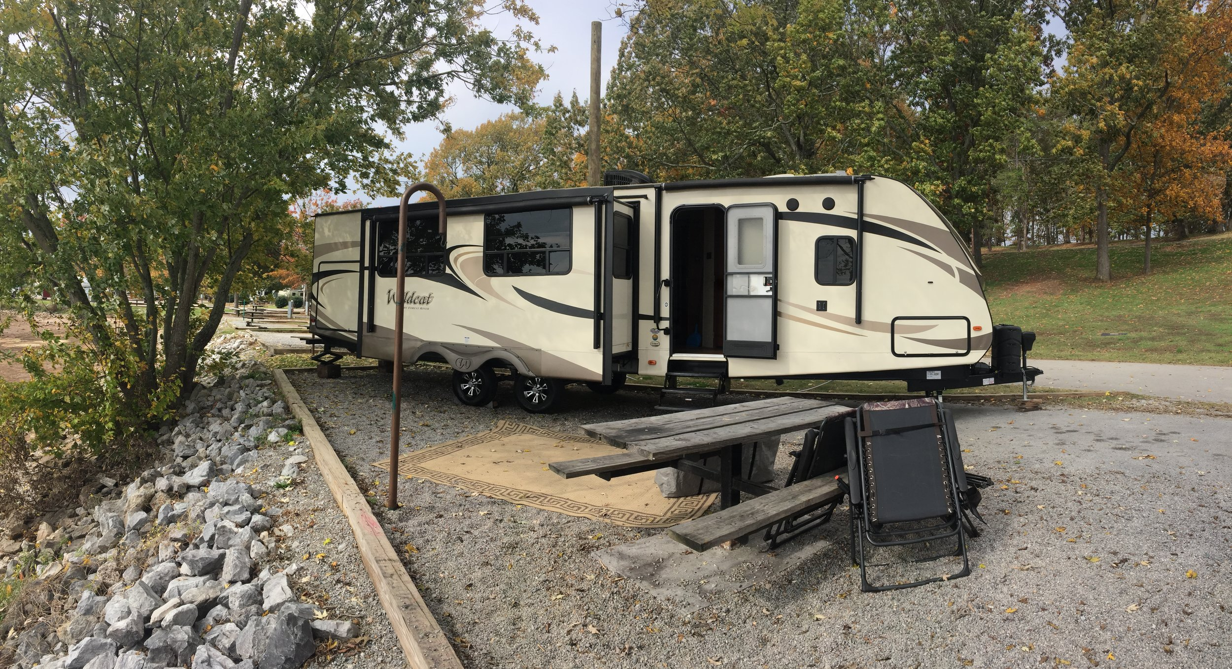 Check out campground reviews and boondocking stations to help plan your next trip with ease.
