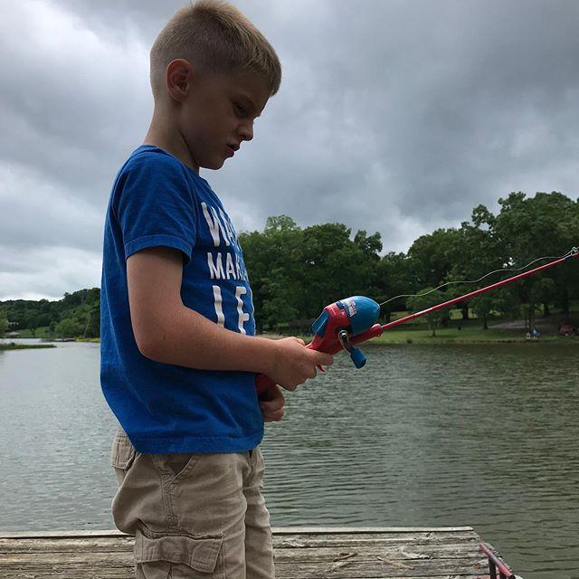 Intense fishing! . . #whitehouseontheroad