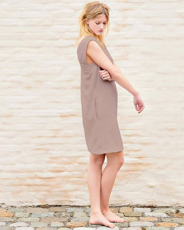 Diana dress ❤️ perfect for a beach day 🌅. Tap website in bio, email us for orders!  #beach #fashion #taupe #terry #dresses #akouris