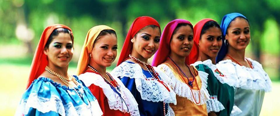 La république D'El Salvador, 2012 - Don de 14 250€ pour l'achat de filtres de purification d'eau au bénéfice de 540 familles (approximativement 3500 membres de la communauté).En collaboration avec l'European Chamber of Commerce of Central America (EURACEN) et à travers l'Alliance des Femmes pour le Café qui sont implantés dans les régions cafetières tant du Nicaragua que du Guatemala, de Honduras et d'El Salvador nous avons choisi de leur apporter notre aide et soutien. Aider comment ?…