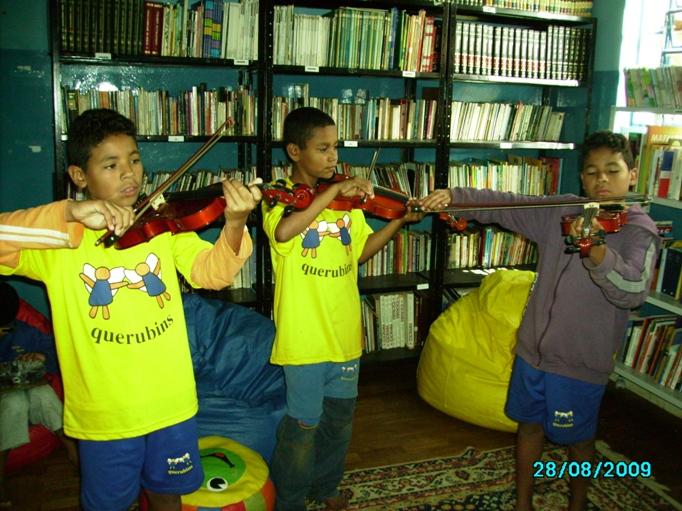 Brésil Août 09 026.jpg Les violons de l'espoir2.jpg