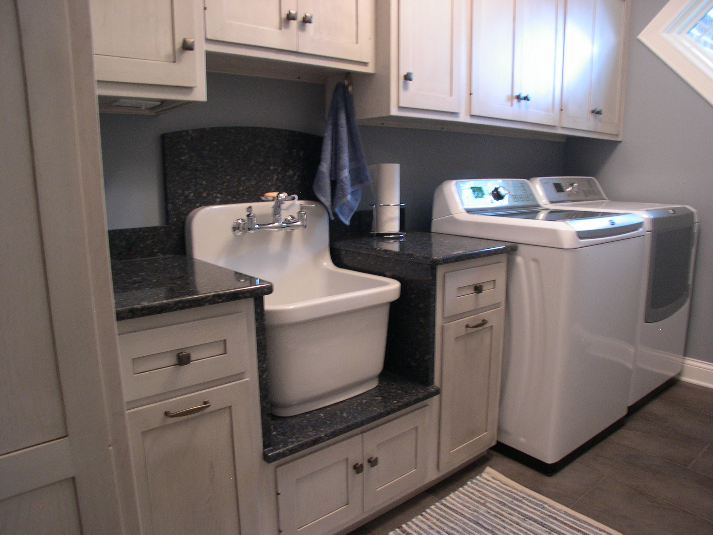 Laundry - Efficiency and Style can make all the difference in a Laundry room. Let us show you how to work around the washer and dryer and make it all work to your advantage.