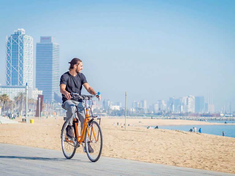 cycling_barcelona_diagonal_mar.jpg