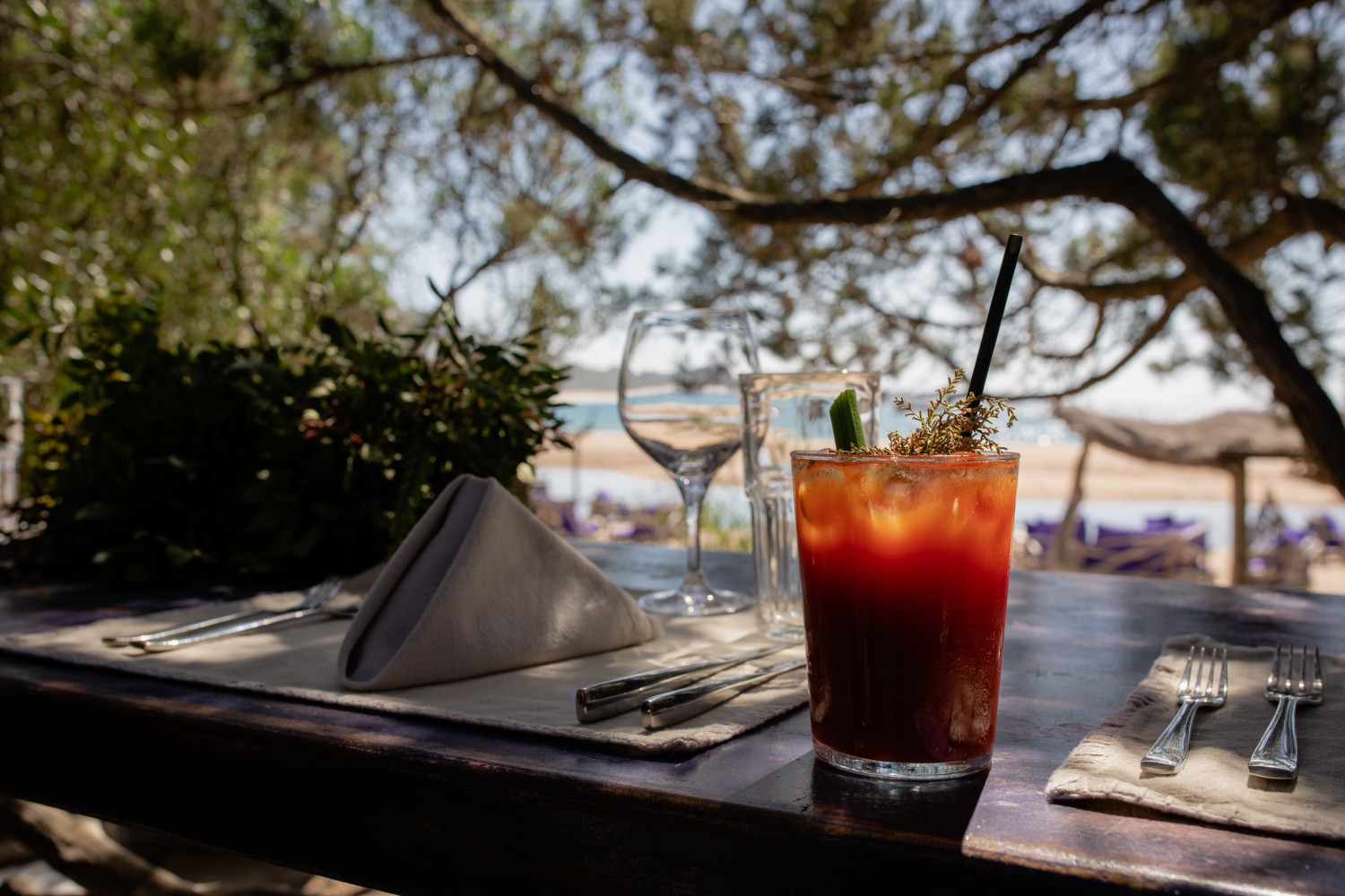 Littleton-Rose-Luxury-Destination-Wedding-Planner-Corsica-Justine-and-Tom-Bloody-Mary-Beach-Brunch.jpg