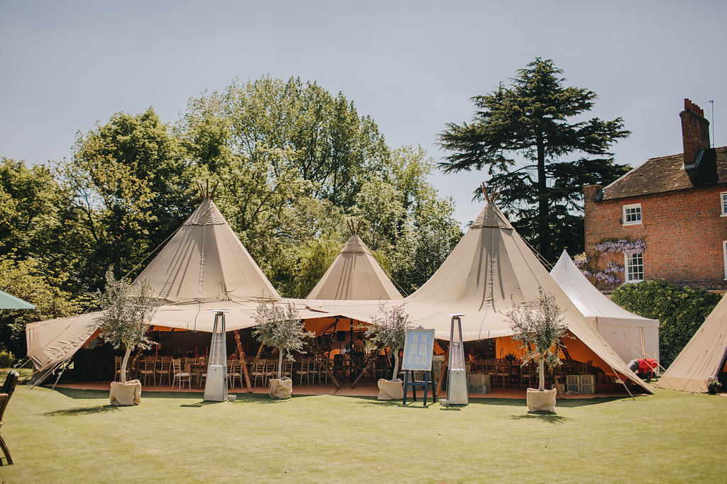 Littleton-Rose-Wedding-Planners-Berkshire-Tipi-Wedding